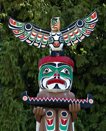 haida indian: totem pole in Stanley park Stock Photo
