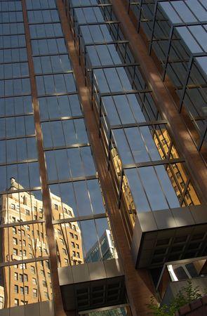 バンクーバーの建物の反射
