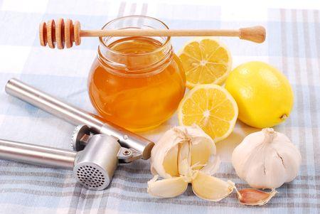 remedies: honey,garlic and lemon as natural medicine Stock Photo