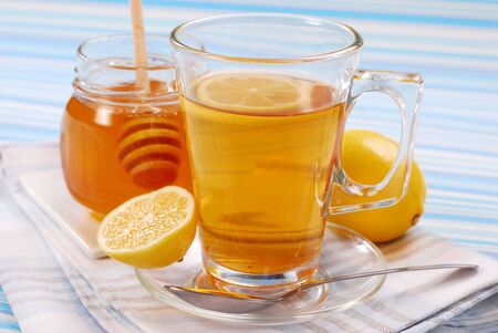 tea with lemon and honey as natural medicine