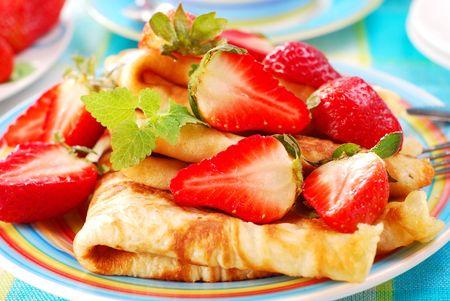 ber: pancakes with fresh strawberries Stock Photo