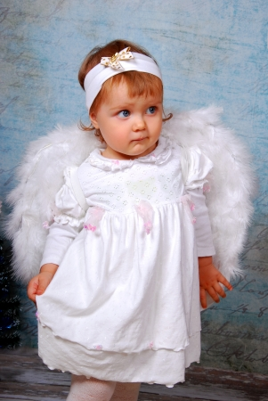 hair band: little baby girl with white wings as angel