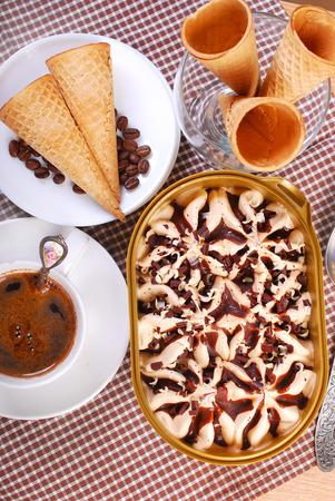 gelati: ice cream box coffee and waffle cones