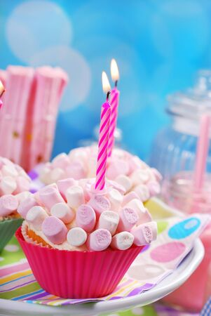 birthday party kids: mini marshmallow cupcakes with candles for kids birthday party