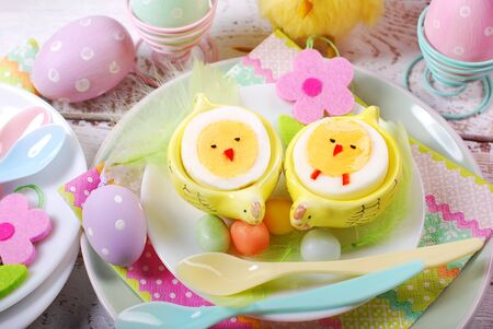 red hen: easter breakfast for kids with funny boiled eggs as chicks
