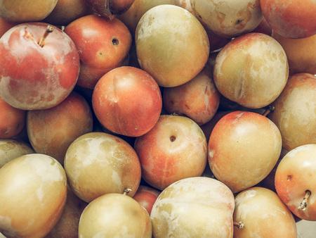 ciruela pasa: El vintage se descoloró frutos Podar los alimentos vegetarianos y veganos útiles como fondo