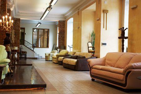 muebles de madera: Nueva sof�s y sillones en una tienda de muebles