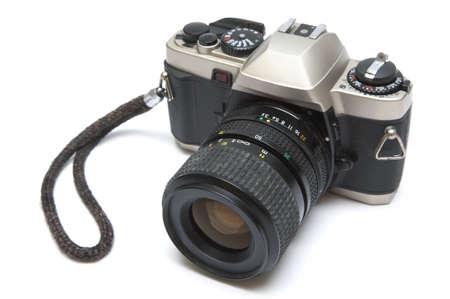 reflex: La vecchia fotocamera reflex su uno sfondo bianco