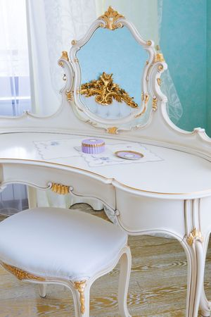 dressing table: white dressing table in a modern bedroom