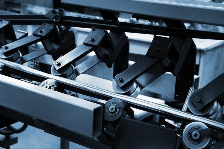 offsetdruck: Arbeit der F?rdertechnik in einer modernen Druckerei