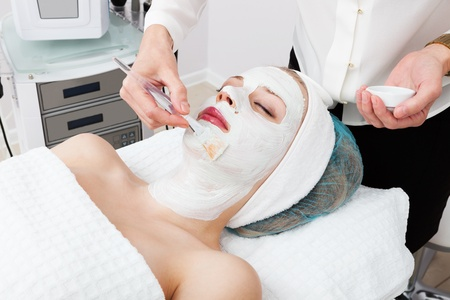 laying of cosmetic masks in modern beauty salon Stock Photo - 13335081