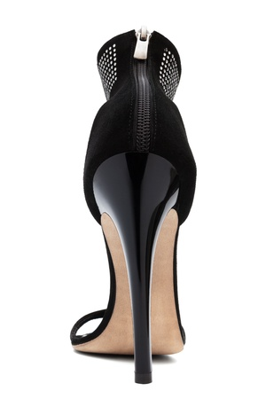 Dámské boty s vysokými podpatky na bílém pozadí