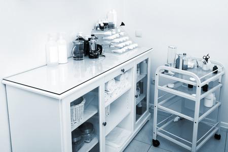 beauty shop: escritorio en una moderna tienda de belleza Foto de archivo