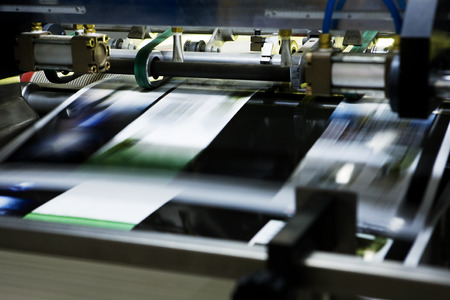 imprenta: proceso poligráfico en una imprenta moderna