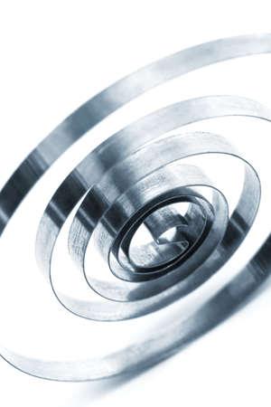bobina: muelle helicoidal sobre un fondo blanco