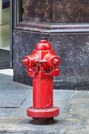 boca de incendios en una calle de la ciudad