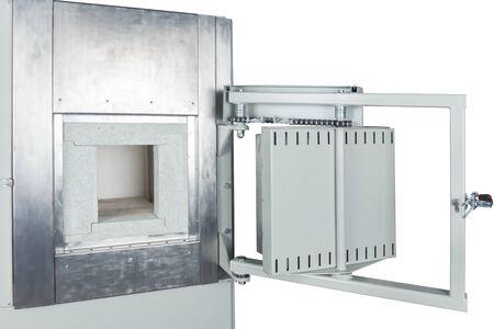 puerta del horno de vacío sobre un fondo blanco