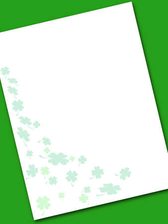 Shamrock note paper on green background Stock Photo - 798591