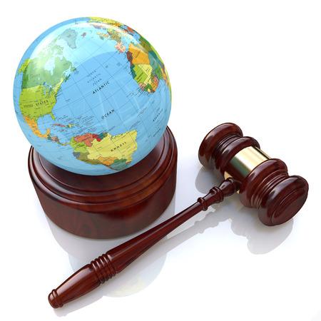 la loi de la justice mondiale dans la conception de l'information relative à la loi