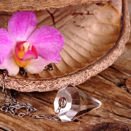 psychic: Chrystal pendulum