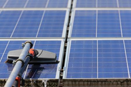 paneles solares: Limpieza de paneles solares