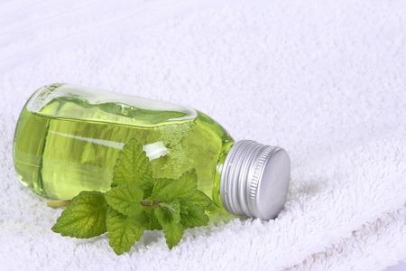 Bathing oil, melissa
