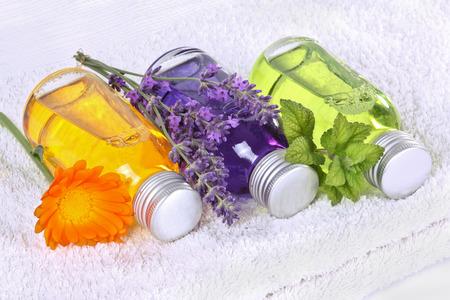 bath essence: Bathing oil, calendula, lavender, melissa