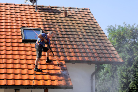 gutter: Roof cleaning with high pressure