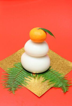 鏡餅は、神々 に大きい円形米ケーキ oferings です。