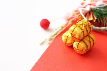 稲わらおよび稲袋の神聖な神道のロープ