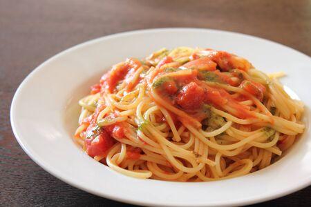 トマト & バジルのスパゲッティ