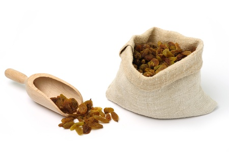 An image of raw brown raisins in a bag