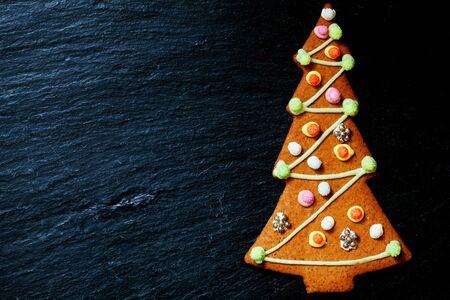 Gingerbread Christmas tree Standard-Bild