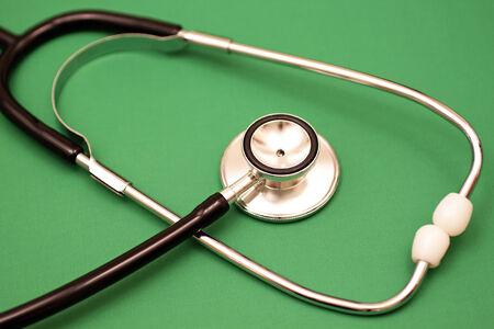 Stethoscoop Op Groen Stockfoto