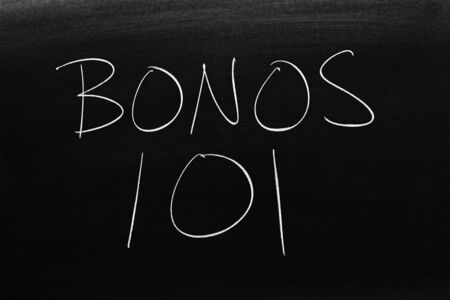 The words Bonos 101 on a blackboard in chalk.  Translation: Bonds 101