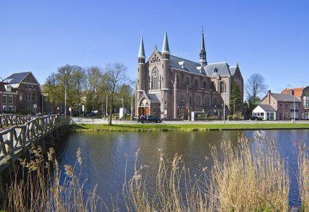 教会、オランダ、オランダ、アルクマール町への架け橋