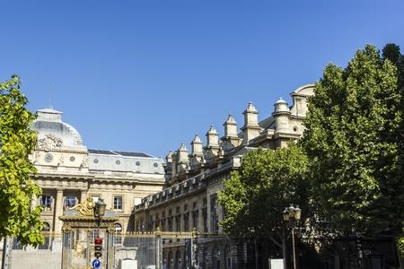 tribunal: Tribunal de Grande Instance, Boulevard du Palais, Paris, France