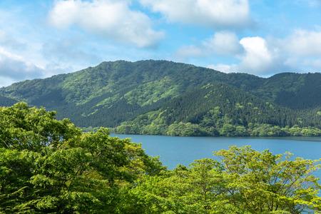 Ashinoko Lake in spring, Hakone, Japan Standard-Bild
