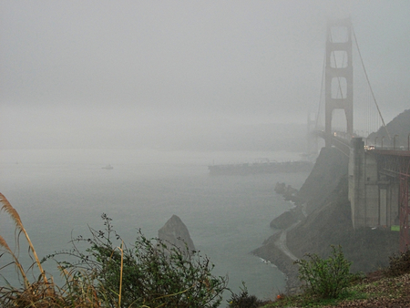 the golden gate bridge on a foggy day