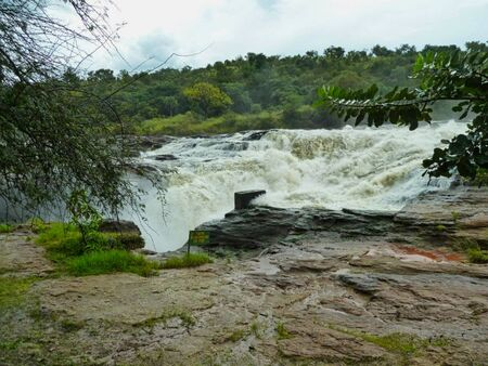 a waterfall in africa at summertime 版權商用圖片