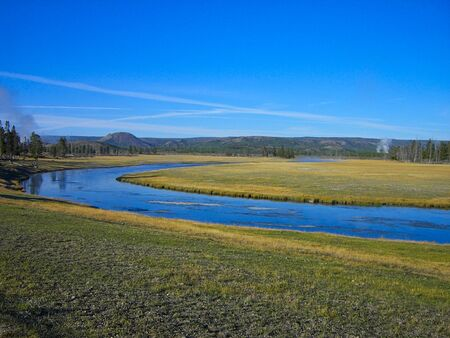 the prairie in the yellowstone park
