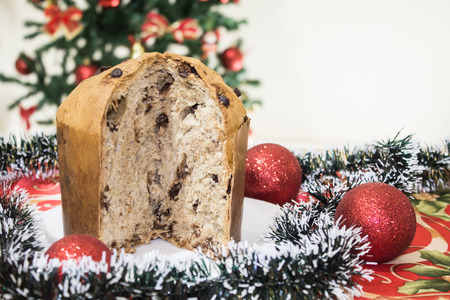 Panettone, cake with candied fruits, traditional from the Christmas season, of Milanese origin, from northern Italy.