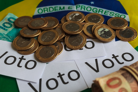 Vote (in Portuguese: Vote), political corruption in Brazil and the purchase of votes in elections. In a concept image.