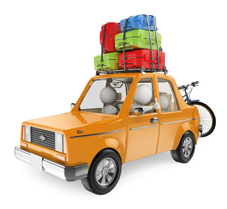 3D 백인. 가족은 차 지붕에 가방과 함께 자동차로 휴가를 간다. 격리 된 흰색 배경.