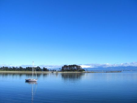 bask: A pure blue sky at Nelson in New Zealand Stock Photo
