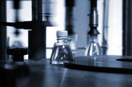 plastico pet: máquina de envasado automático de colocar la tapa