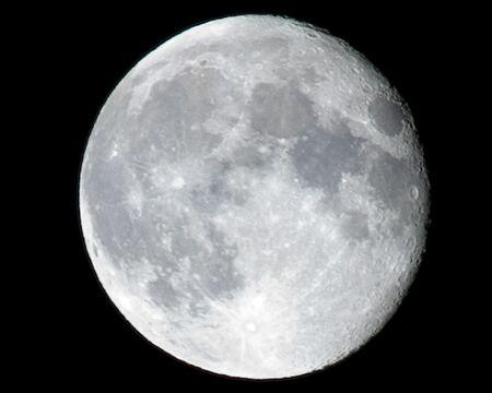 noche y luna: Luna llena  Foto de archivo