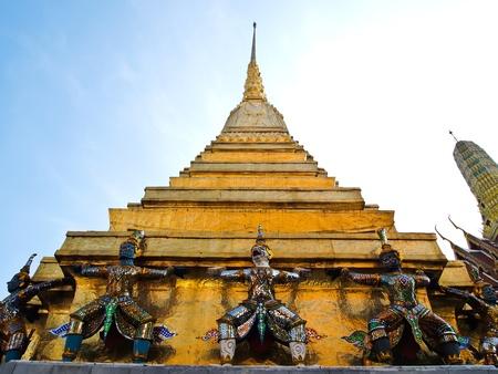 gaurd: Statue gaurd at Pagoda of Wat Phra Kaew , The Grand Palace in Bangkok, Thailand.