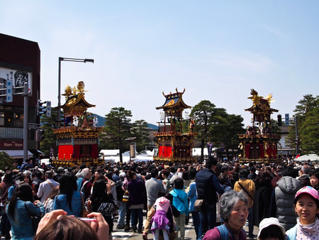hida: TAKAYAMA FESTIVAL ON 15-16 APRIL OF EVERY YEAR Editorial