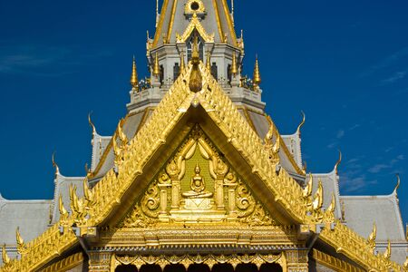 art on pagoda at wat shothon